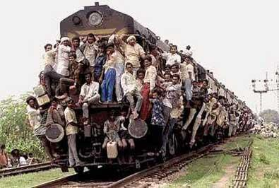 crowded-train-strange-pictures